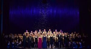 Christmas on Broadway im Cuvilliéstheater, Schlußtotale