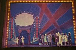 Bühnenbildskizze SINGIN' IN THE RAIN Bühne und Kostüme nach Rolf Langenfass © Christian POGO Zach