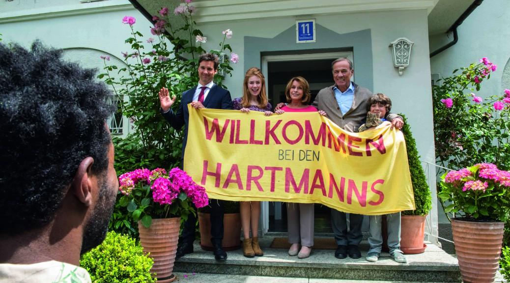 """""""Willkommen bei den Hartmanns""""! Wir begrüßen """"unseren Flüchtling"""" Diallo."""